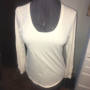 Scoop neck, lace inlaid long sleeve knit shirt